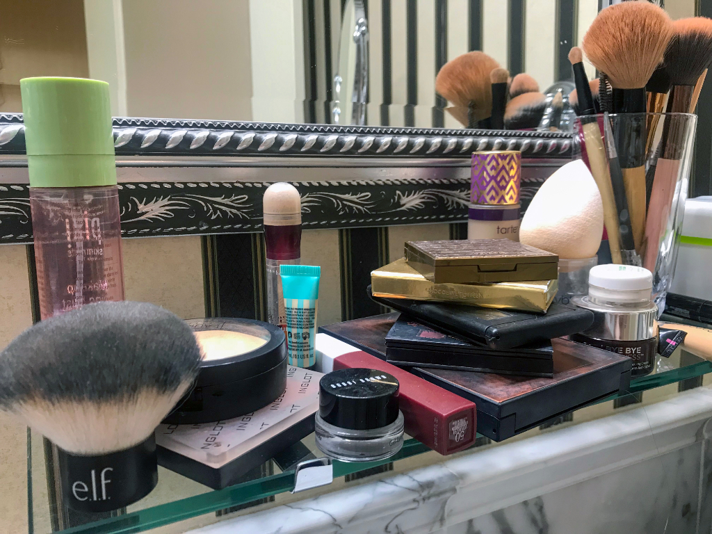 Hotel Bethlehem bathroom counter