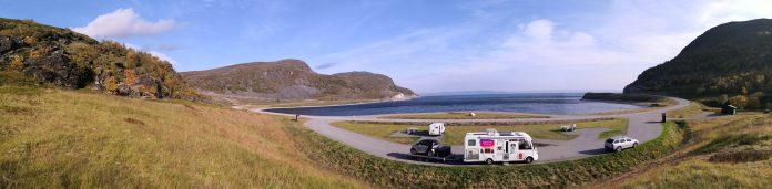 Herrliche Bucht mit Rastplatz auf der Rückfahrt vom Nordkap