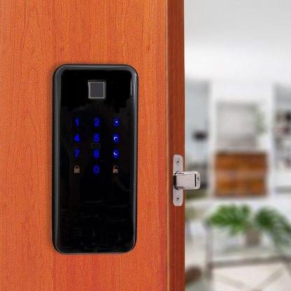 Cerradura digital busaland en puerta