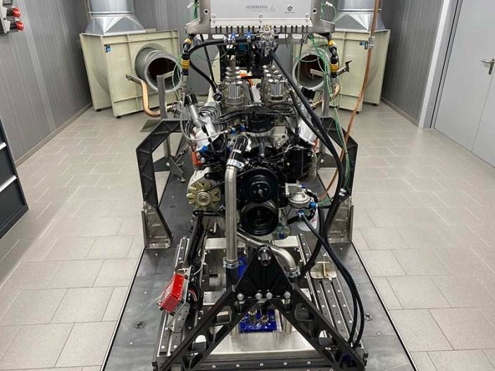 Abstimmung eines neu aufgebauten Ford 427 Windsor V8 Motors auf dem Stationären Prüfstand der Herrmann Motorenentwicklung GmbH