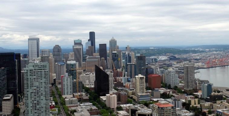 Blick Richtung Süden / Downtown. Im Hintergrund das Centurylink Filed und das Stadion der Seattle Mariners (MLS). ©HerrundFrauBayer