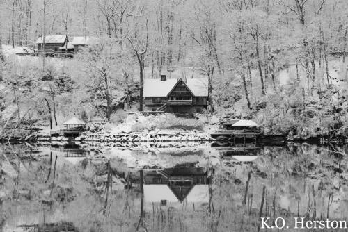 house on tennessee river