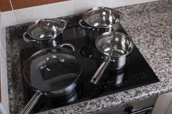 Can A Dutch Oven Be Used On A Glass Top Stove Herstoryourstory