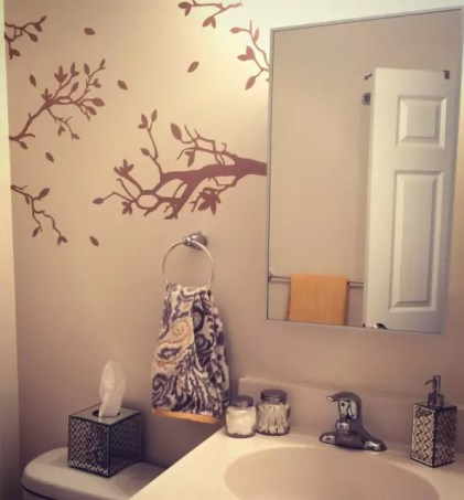 http://hertrack.com/2014/08/22/17-ways-to-make-a-cheap-apartment-a-chic-apartment/