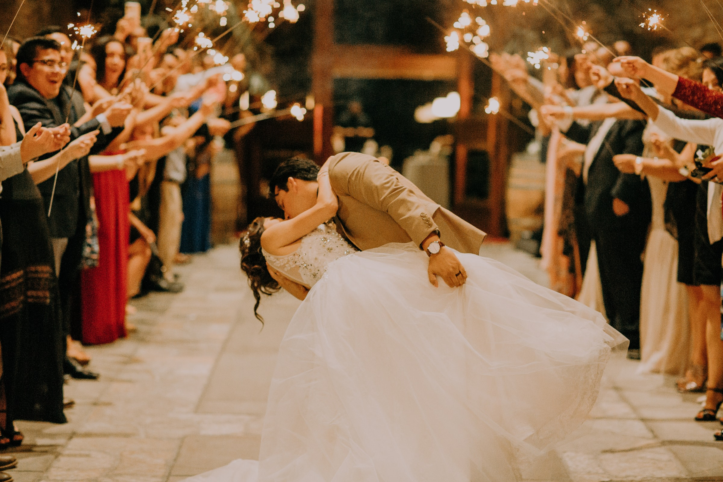 Frugal but Fabulous: 5 Tips for Planning a Wedding on a Budget