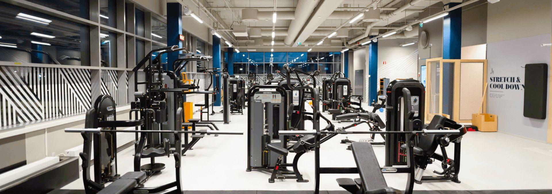 Millaiset Ihmiset Kayvat Kuntosalilla Oisin Fitness24seven Tarjoaa Joustavat Aikataulunsa Jatkossa Myos Hertsissa Hertsi