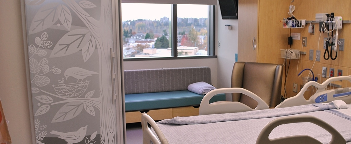 Custom-Graphic-Glass-Seattle-Childrens-Hospital