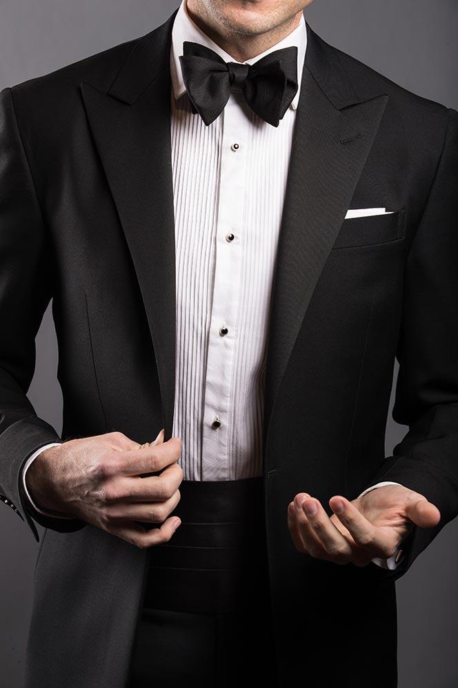 cummerbund-black-tie-tuxedo-dress-code-style-1