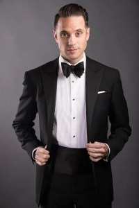 Why and How To Wear A Cummerbund With A Tuxedo - He Spoke ...