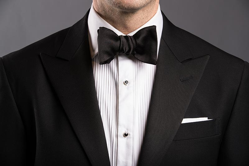 semi-butterfly-bow-tie-style-black-tie-formal-attire-men