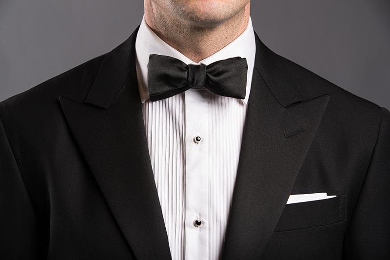 straight-end--bow-tie-style-black-tie-formal-attire-men