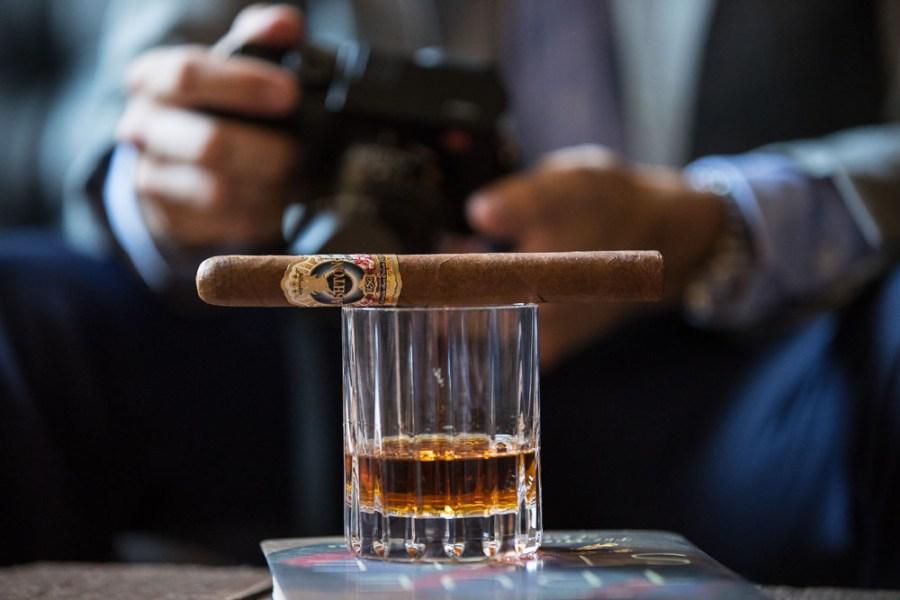ashton esg 20 year salute cigar review