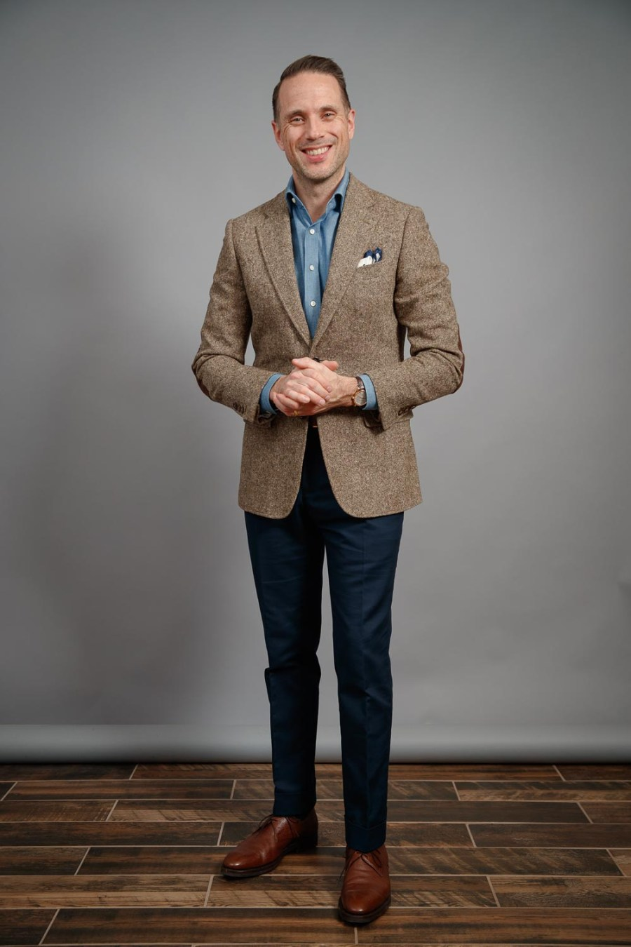 mens-denim-shirt-2021-brown-donegal-tweed-jacket-navy-chinos-for-spring