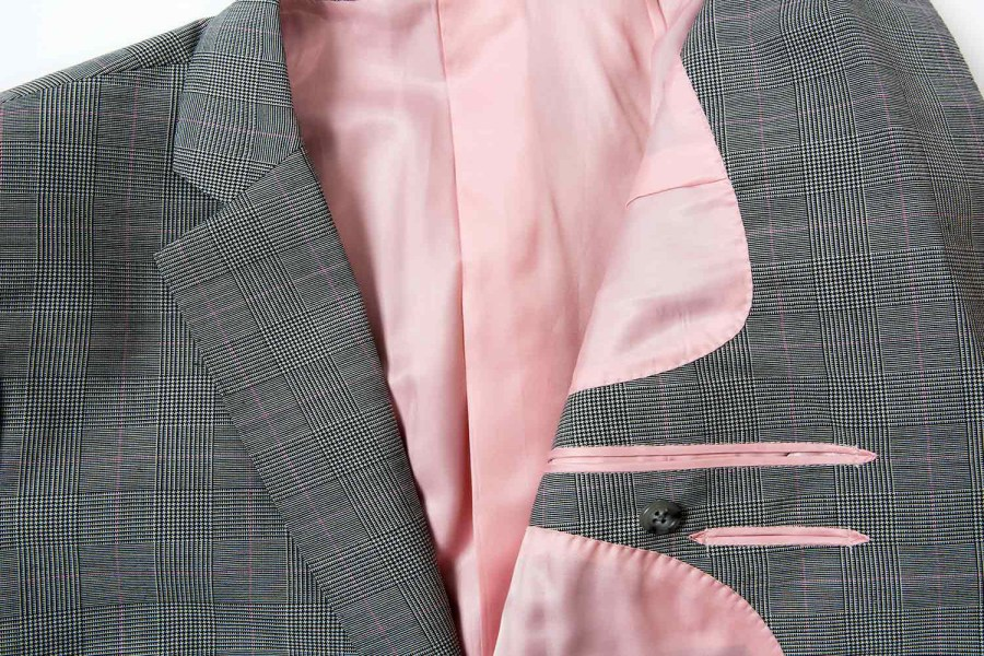 how -to-choose-contrasting-lining-for-mens-suit-jackets