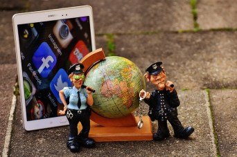 social-media-1846808_640