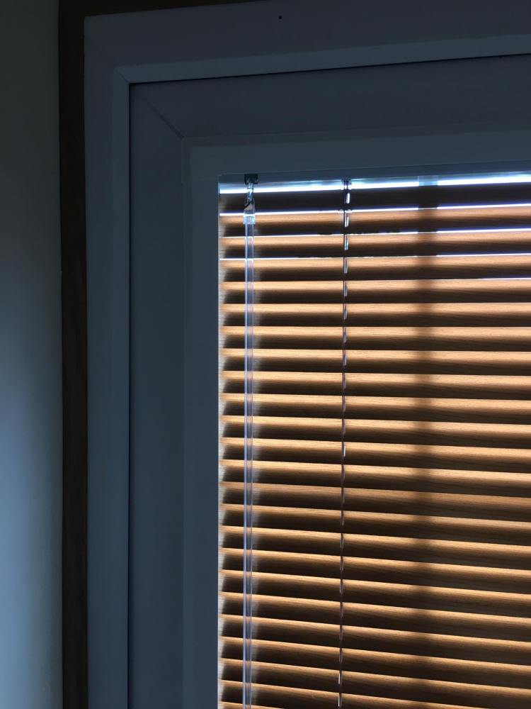 Perfect fit venetian blind close up