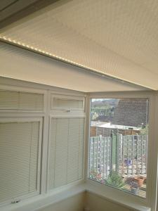 perfect fit pleated roof blind and venetian blind installtion