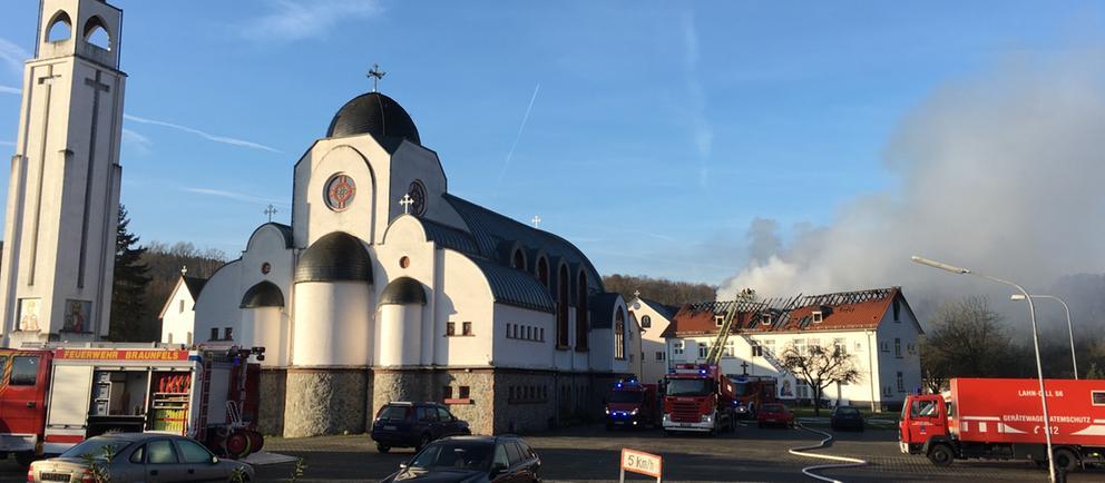Feuer auf Gelände des Klosters Kröffelbach