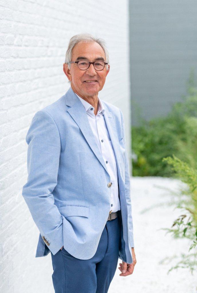 Dr. Gui Clerinx