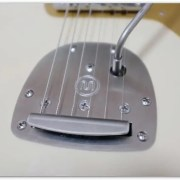 Mastery Bridge Offset Mastery VibratoをBacchus Jazzmasterに装着しました