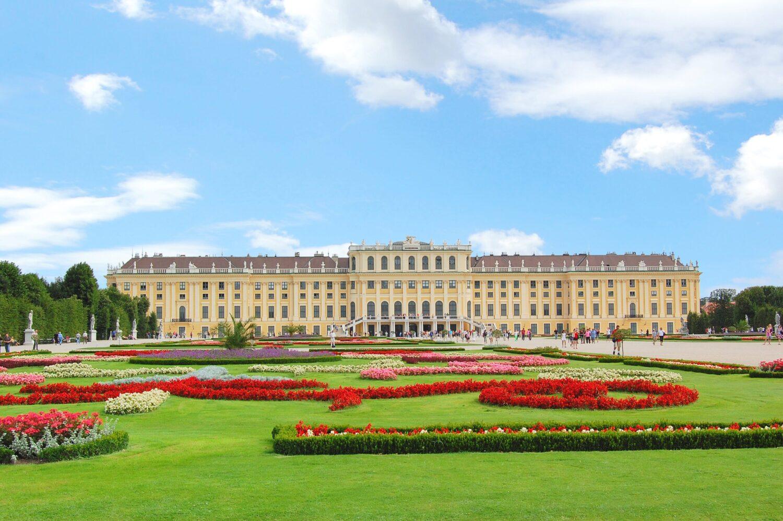 Het Gezinsleven - Vakanties - Stedentrips - De 10 must-see bezienswaardigheden in wenen - Slot Schönbrunn