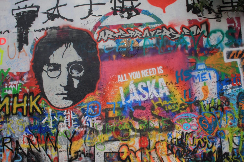 Het Gezinsleven - Vakanties - Stedentrip naar Praag - John Lennon Wall