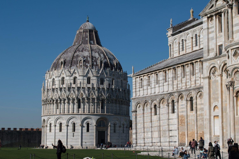 Het Gezinsleven - Vakanties - Europa - De 10 mooiste steden in de Toscane - De doopkapel in Pisa