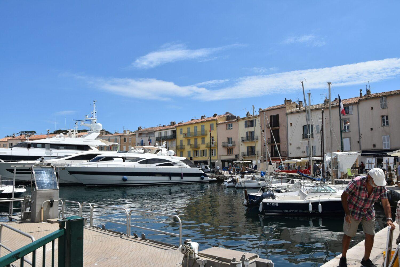 Het Gezinsleven - Vakantie - Autovakantie - Vakantie in de Côte d'Azur, beter wordt het niet! - Saint-Tropez - De haven