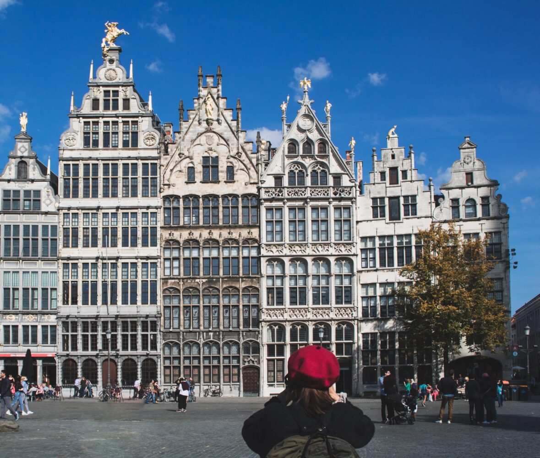 Het Gezinsleven - Vakantie - Stedentrips - Top 10 bezienswaardigheden in Antwerpen - Het plein