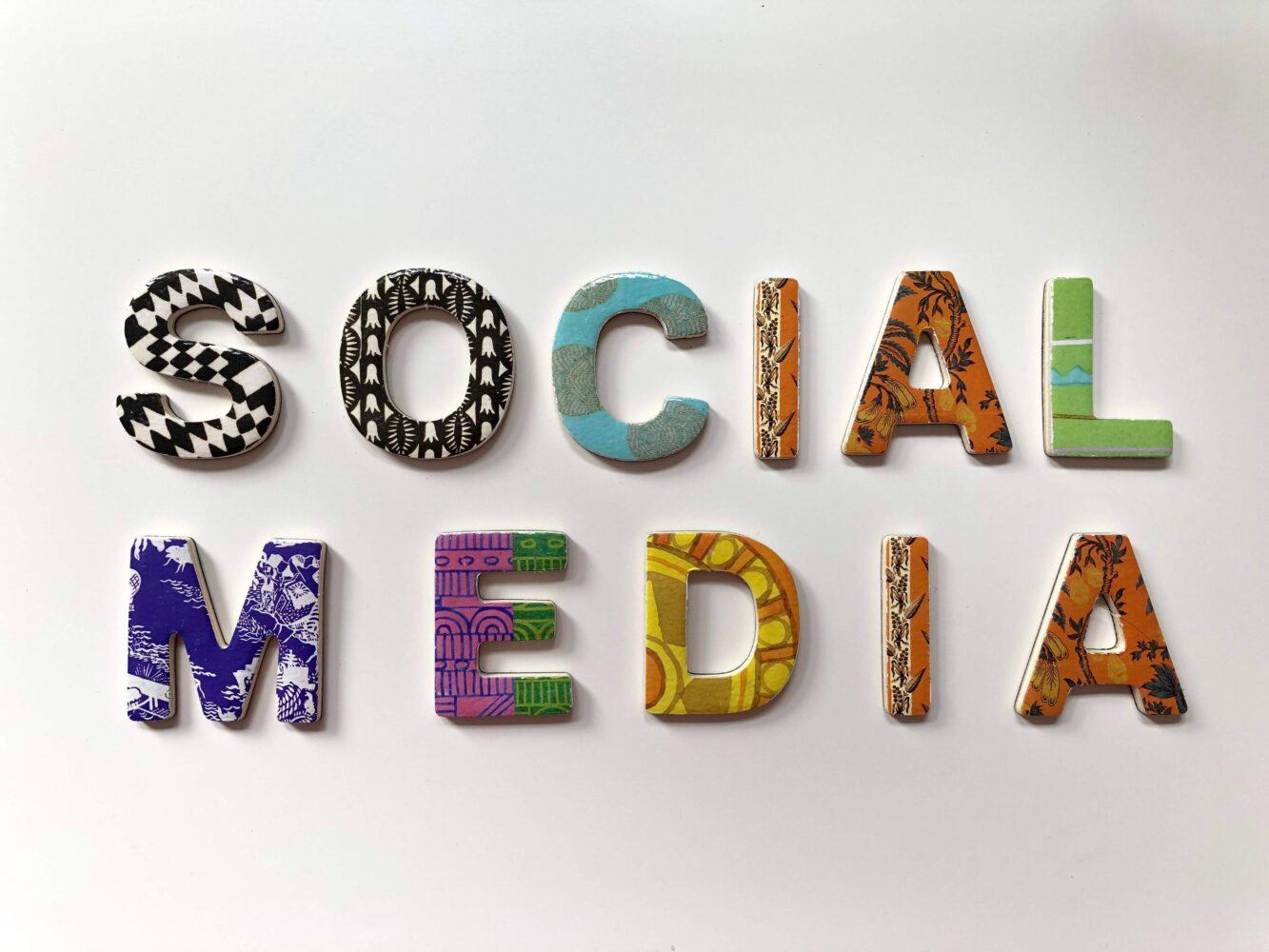 Het Gezinsleven - Lifestyle - Mindset - Social media detox: 10 praktische tips - Het woord social media