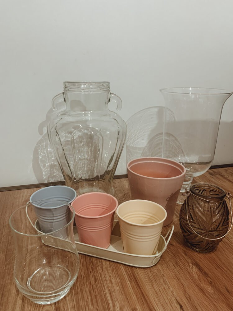 Het Gezinsleven - Lifestyle - Huishouden - Minimalisme challenge - 465 dingen weg doen in 30 dagen! - Vazen en potten