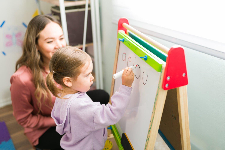Het Gezinsleven - Moeder en Kind - Kinderen 1-4 jaar - De woordenschat vergroten van jouw kind, zo doe je dat! - De klinkers oefenen