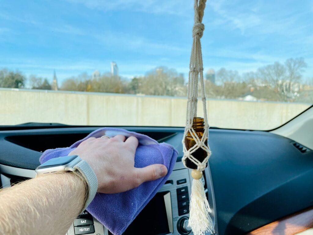 Het Gezinsleven - Lifestyle - Mannen - Hobby's - Auto wassen in 4 simpele stappen - Interieur van auto wassen
