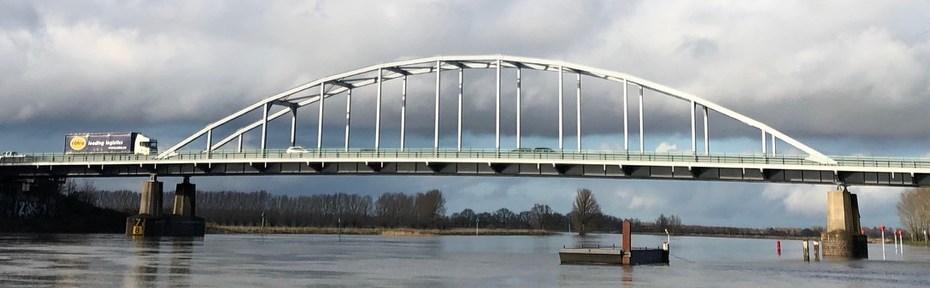 De nieuwe brug