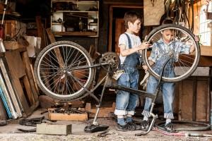 843x561 je kind iets leren:jongens met fiets