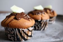 dekorierte Birnen-Schoko-Muffins