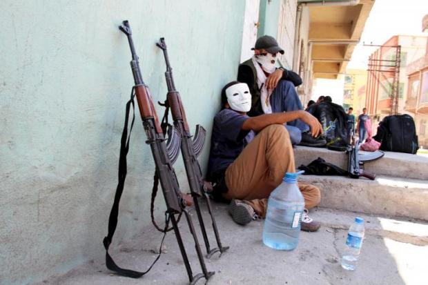 Курдские революционеры из YDG-H в Сильване