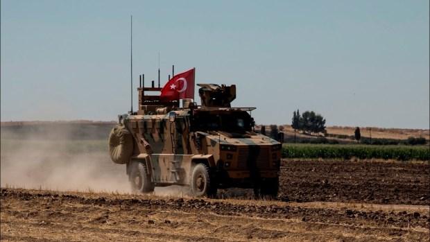 Бронемашина турецких правительственных сил