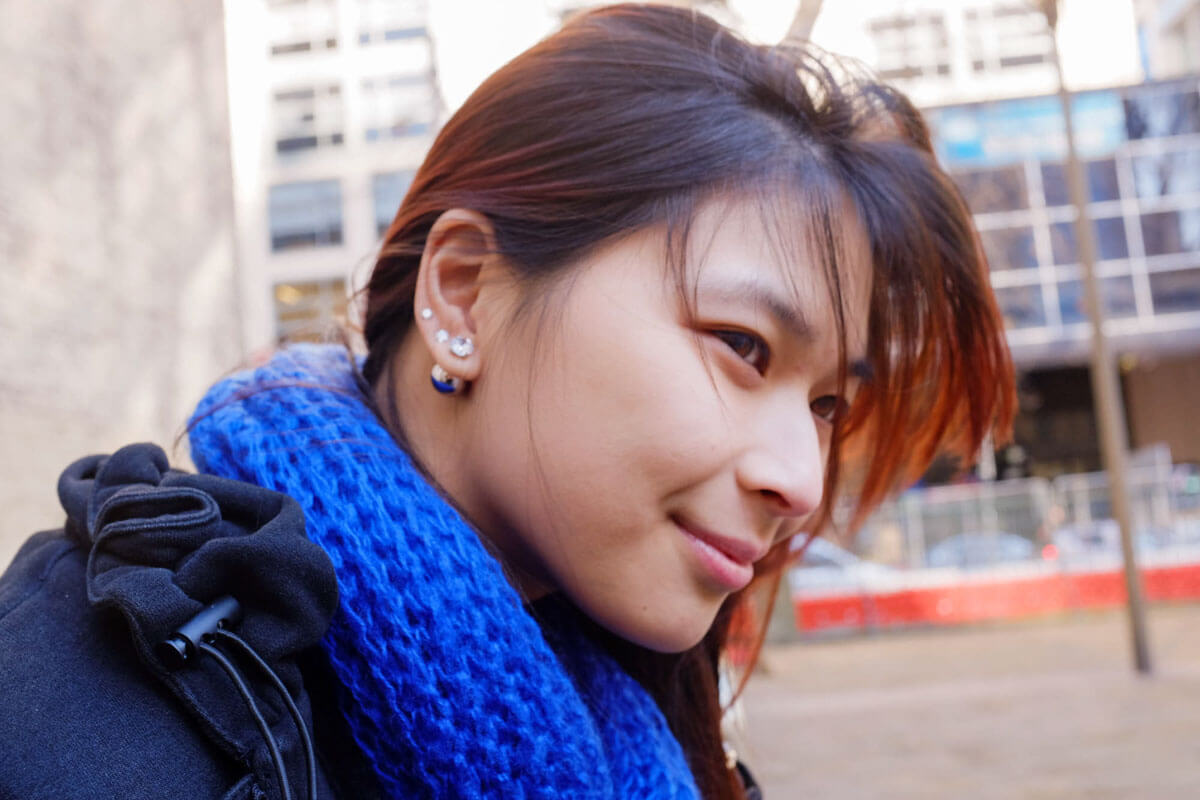 Hair blowing in the wind – gunmetal pearl earrings