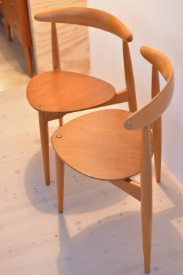 Pair of Hans Wegner Heart Chairs 1950s Fritz Hansen