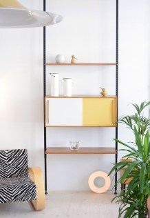 Teleskop Regal Telescopic Bookshelf Mustard and White Bar Möbel heyday möbel moebel Zürich Zurich Binz