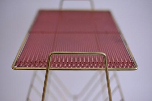 Brass Plated Magazine Rack with Red Shelves heyday möbel moebel Zürich Zurich Binz