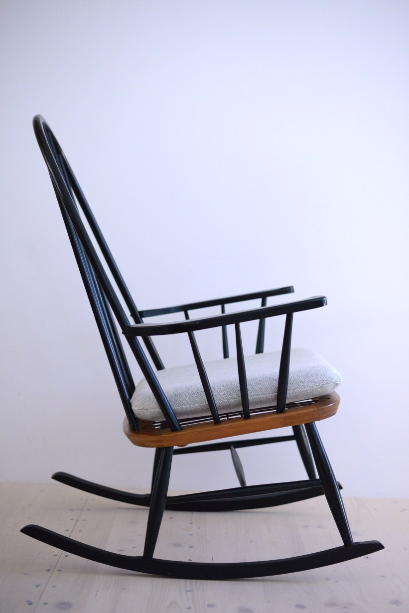 Tapiovaara Rocking Chair Grey Kvadrat heyday möbel moebel Zürich Zurich Binz