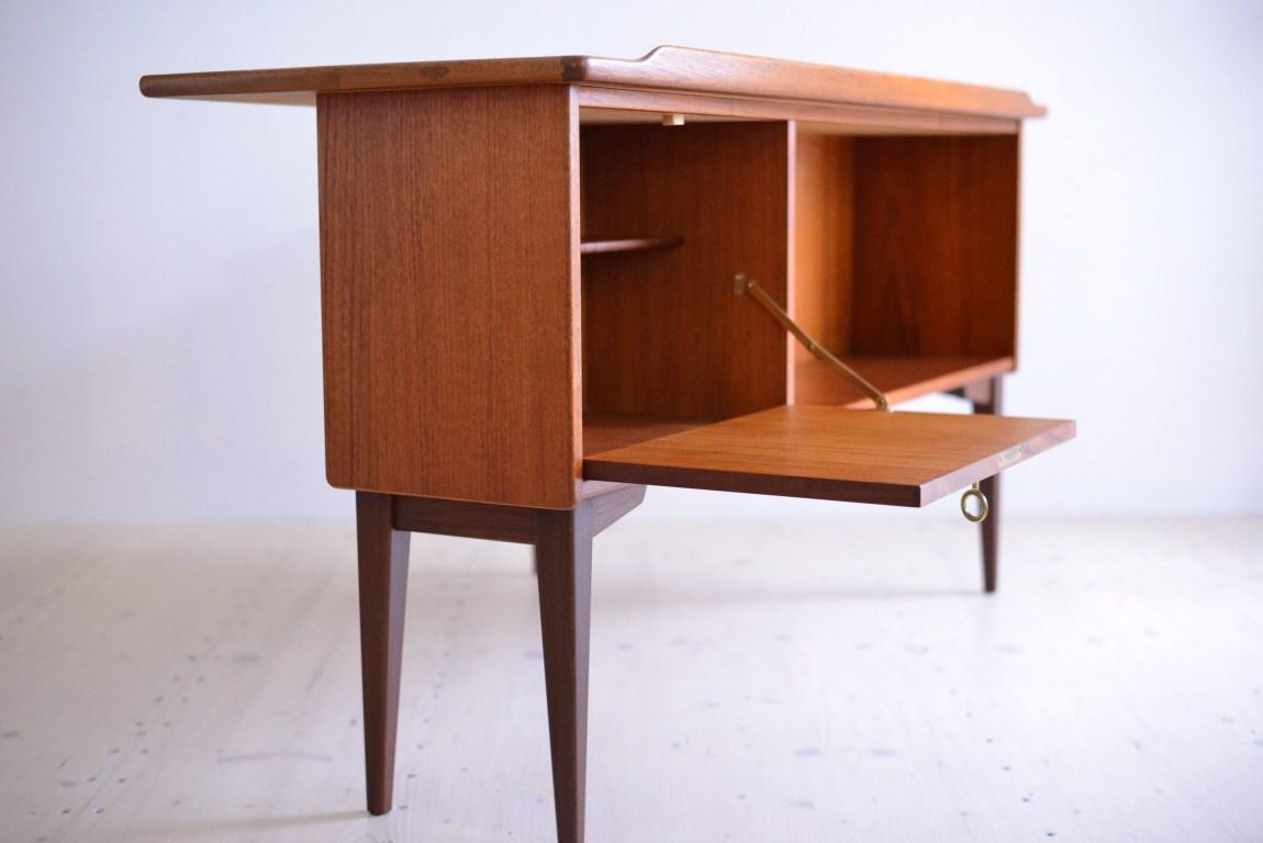 Goran Göran Strand Teak Boomerang Desk Lelangs Möbelfabrik Sweden heyday möbel moebel Zürich Zurich Binz