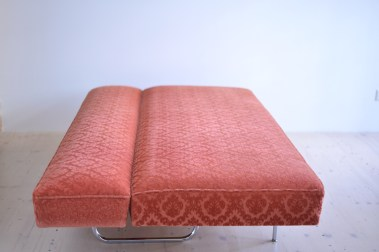 Ernst Ambühler EA-616 Sofa Bed in Pink Teo Jakob heyday möbel moebel Zürich Zurich