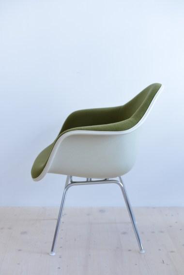 Charles Ray Eames Fiberglass Armchair with Fabric Covering heyday möbel heydaymoebel Binz