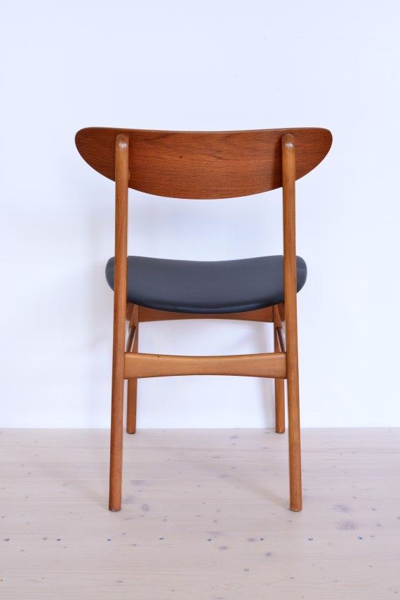 Farstrup Dining Chair One Piece Rounded Back in Teak heyday möbel
