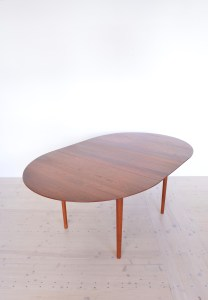 Model 311 Round Dining Table by Peter Hvidt and Orla Molgaard Nielsen 06