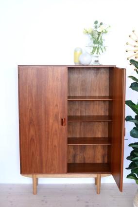 Borge Mogensen Cabinet in teak heyday möbel Zürich mid-century modern furniture