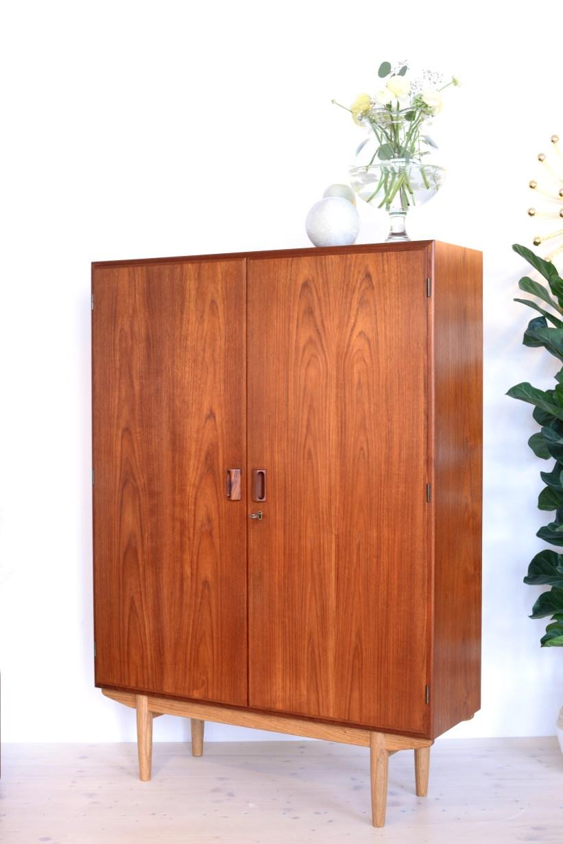 Borge Mogensen Cabinet in oak and teak heyday möbel Zürich mid-century modern furniture